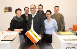 Opening of postshop - The first sms retail outlet opened in Austria